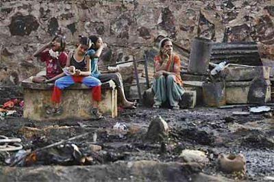 Mumbai slum dwellers stage protest for housing under SRA