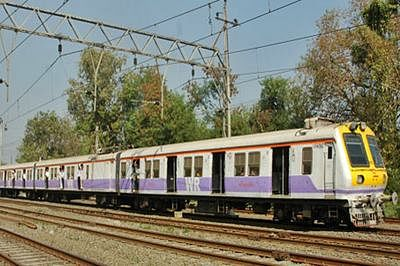 WR train services resume after power cut due to theft at Mahim