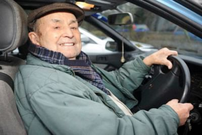 UK's oldest driver is 103-yr-old without any accident