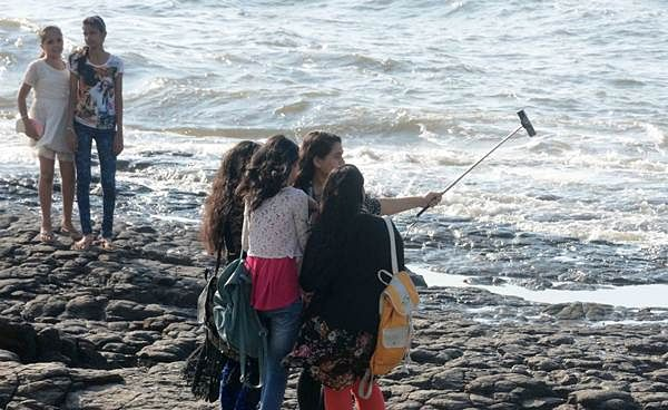 People talking selfies in the No-Selfie Zone at Bandra Bandstand. Days after two youth lost their lives in pursuit of a selfie click. - (Photos by B L Soni)