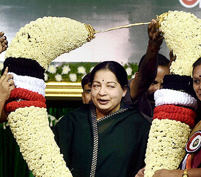 Tamil Nadu: AIADMK expels ex-minister, 15 other party workers for talking to Sasikala