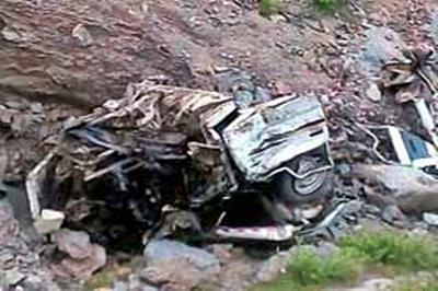 12 pilgrims killed as jeep rams into bus carrying foreigners
