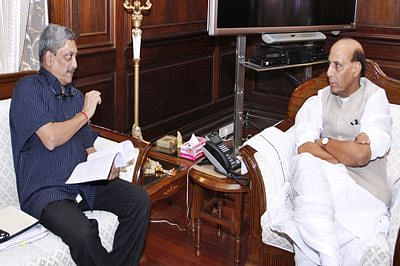 Rajnath chairs internal security meet, Parrikar present