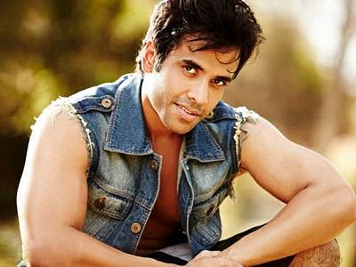 Tusshar Kapoor shares private birthday party pics on social media