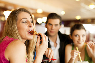 Offering incentive with meal  leads to healthy food choice
