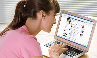Lack of sleep can turn you into Facebook addict