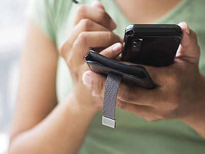 Smartphone, an indispensable  travel companion for Indians