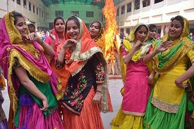 Lohri celebrations in Amritsar stress on 'Beti Bachao, Beti Padhao'