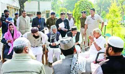 Muslims urge Gaur to ensure peace during Namaz at Dhar
