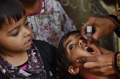 Polio vaccinators mistaken for conducting NPR, held hostage by residents in Meerut