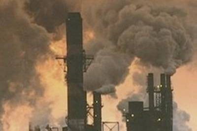 Beijing to shut 2,500 small, polluting firms