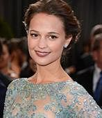 Alicia Vikander bags her first Oscar for 'The Danish Girl'