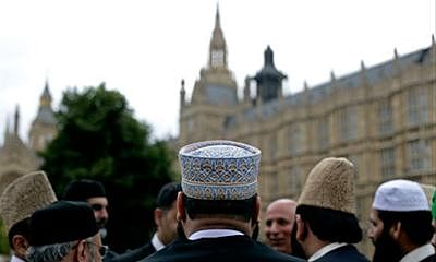 Mosques across Britain host 'open day' to explain faith