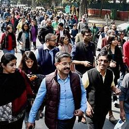 Delhi students protest against 'brutal' police attack on JNU counterparts
