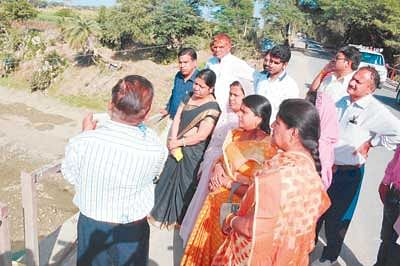Mayor Jonwal inspects route of River Kahn to check ground reality of supplied water