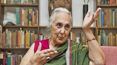 JNU asks for Romila Thapar CV