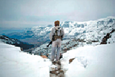 10 soldiers feared lostin Siachen avalanche