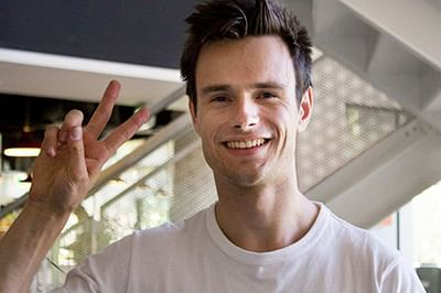 Aussie man who woke from coma speaking Chinese finds TV match