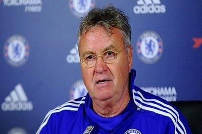 Chelsea manager Hiddink upbeat despite PSG loss