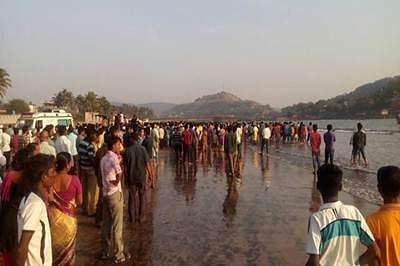 13 students drown off Murud beach in Maharashtra
