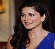 Sunny Leone feels 'lucky' to be part of 100th day of 'Raees' shoot