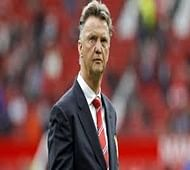 Man United coach van Gaal brushes aside Scholes, Ferdinand criticism