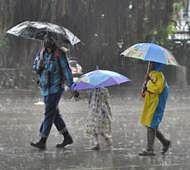 Mumbai witnesses light rainfall owing to cyclone circulation