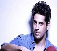 Sidharth thrilled with 'positive' response to 'Kapoor & Sons'