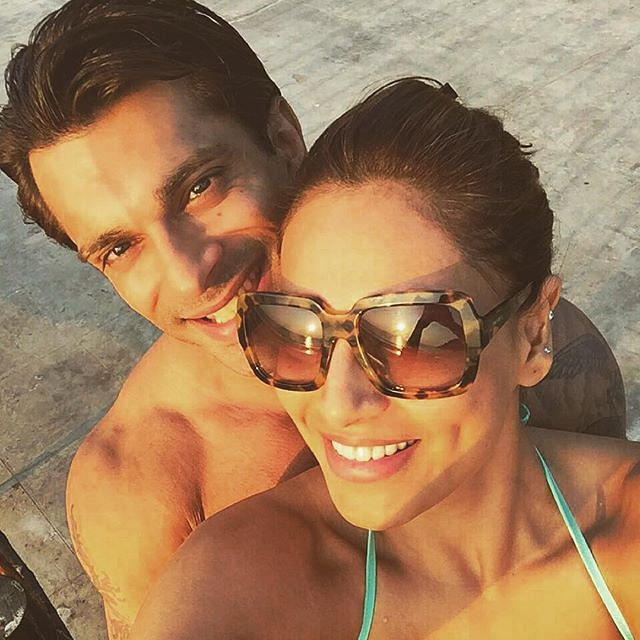 Karan Singh Grover and Bipasha Basu Chilling on the Beaches. The couple chose the social media over the media to and shared their pictures on Instagram.. (@iamksgofficcial )