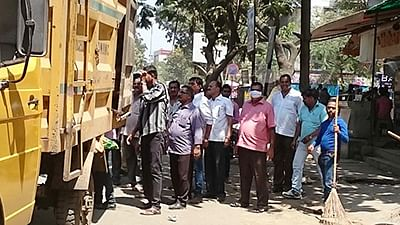 Strike prompts contractors to don role of safai workers