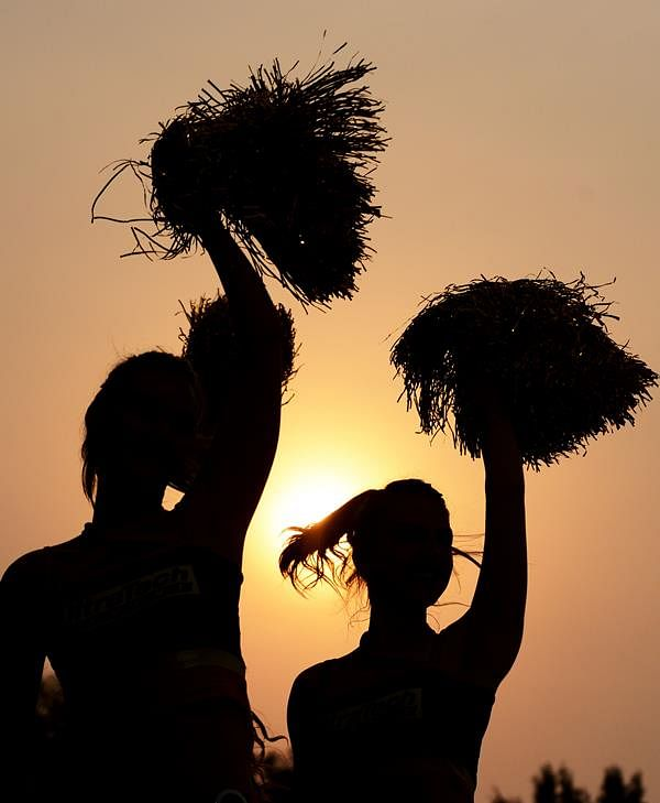 Cheerleaders, actors make Bihar polls a glitzy affair