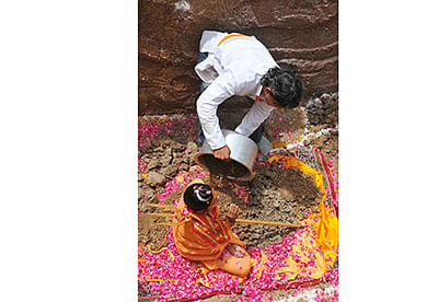 Female ascetic warns of taking 'samadhi'
