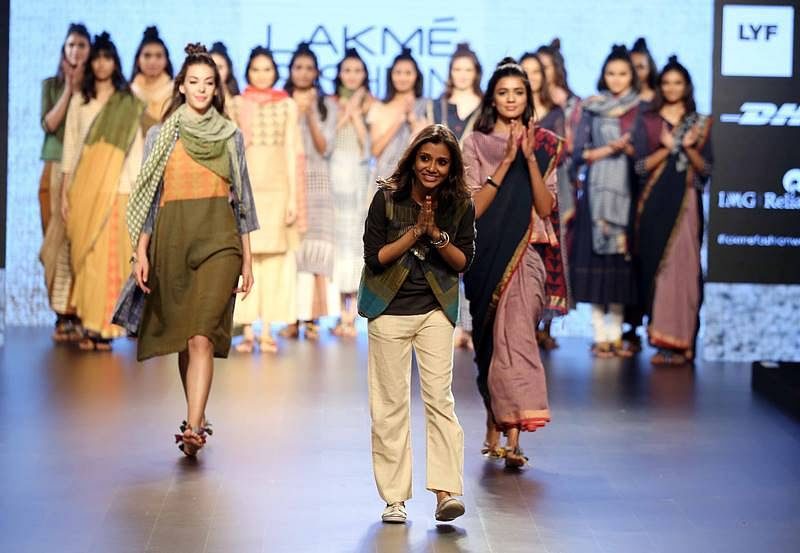 Designer Paromita Banerjee with models at LFW SR 2016