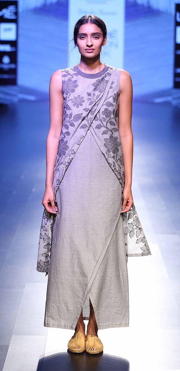 Model walks foar Debashri Samanta at LFW SR 2016