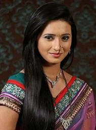 Nobody offers me negative roles: Shivani Surve
