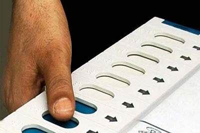 Assam polls: Congress banks on development, BJP raises Bangladeshi issue