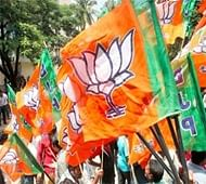 Rival Fronts keep fingers crossed, BJP hopes to open account