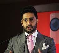 Abhishek Bachchan is loved by Twitterati