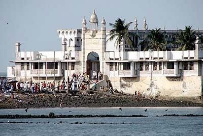 After Shani Shinganapur temple, it's Haji Ali's turn