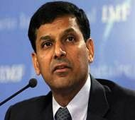Rajan goes on back foot on 'one-eye king' comment