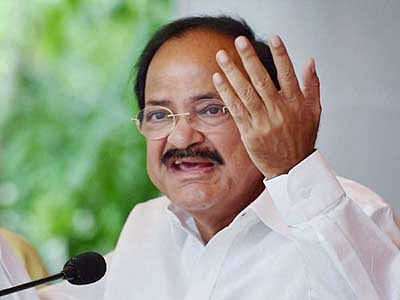 Venkaiah rubs it in, says  Cong needs to learn a lot