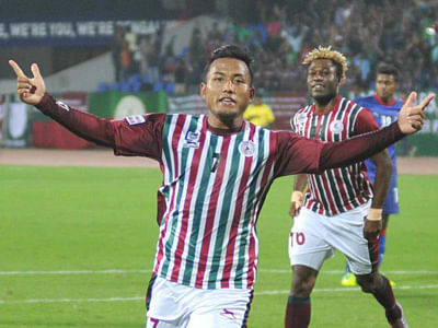 Jeje double guides Bagan to victory