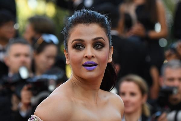 Aishwarya wanted to be talked about: Sonam on her purple lips