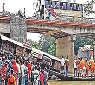 9 killed as bus plunges into canal in Bangladesh