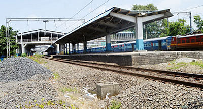 WR begins monsoon drill along the tracks in Mumbai