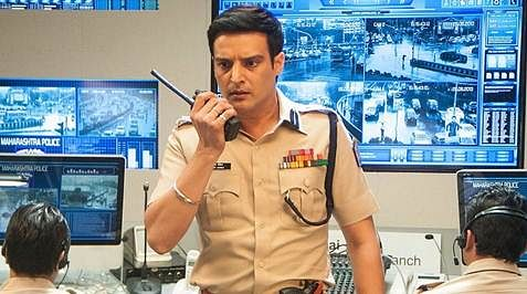 Movie Review: Traffic – Crawls on emotional route