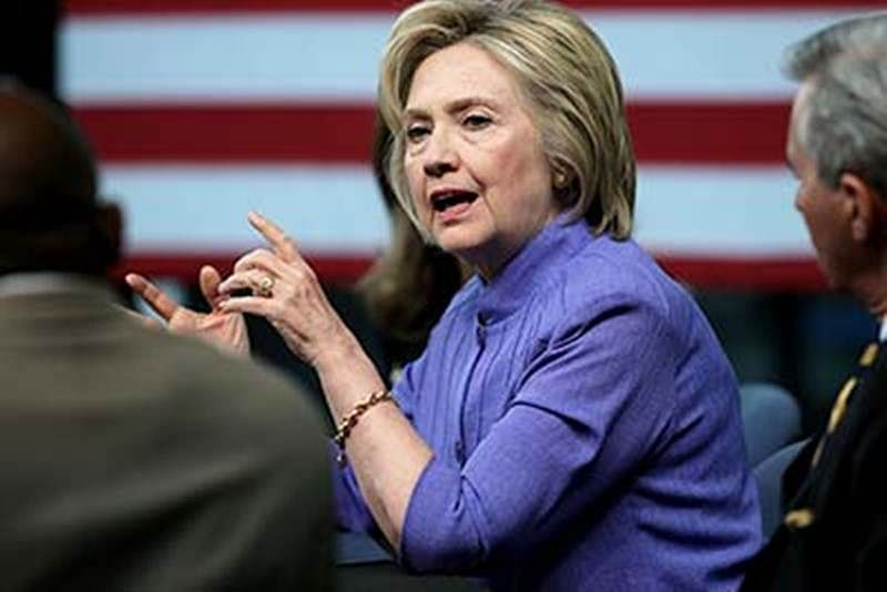 Clinton e-mail scandal: FBI discovers 15,000 more e-mails
