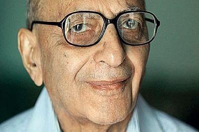 Eminent journalist Inder Malhotra cremated