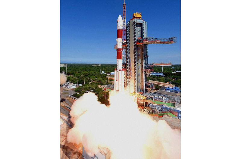 PSLV C-35 with 8 satellites lifts off