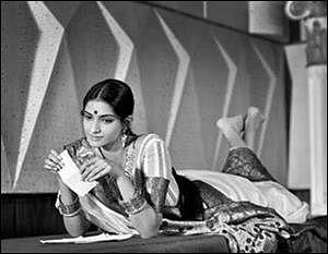 SonamKapoor's ode to yesteryear actress Nutan on her birth anniversary